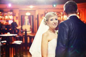 Сватбена фотография в бар