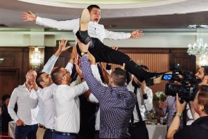 Сватбена фотография от партито